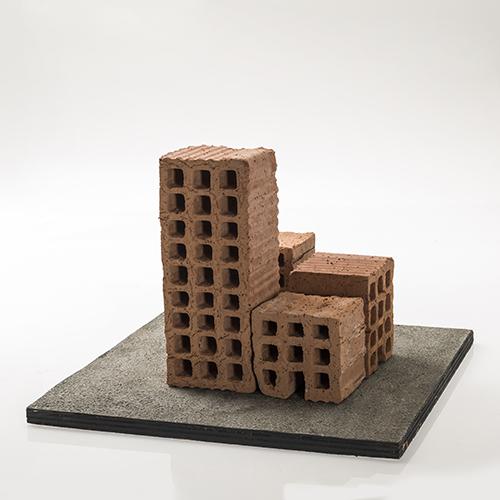 Matteo Mezzadri_Paesaggimi Minimi2, mattoni forato e asfalto, cm 39x39x27,2017_