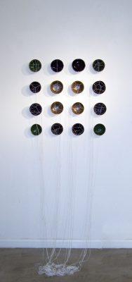 E poi è febbraio, Camilla Marinoni, 16 ciotole in ceramica, smalto, cotone, 60x150 cm, 2014